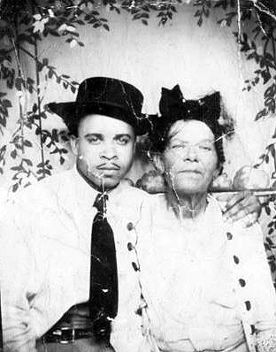 Dora KOONCE & son, James HARDY(EN) KOONCE